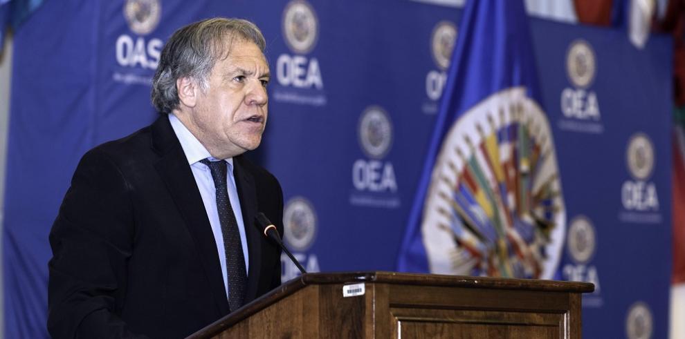 Almagro pide verificar si Venezuela tiene armas nucleares tras presencia rusa