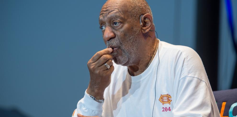Bill Cosby llega a un tribunal de EE.UU. para oír la lectura de su sentencia