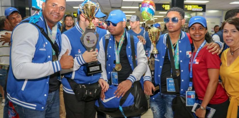 Campeones del Codicader llegan al istmo
