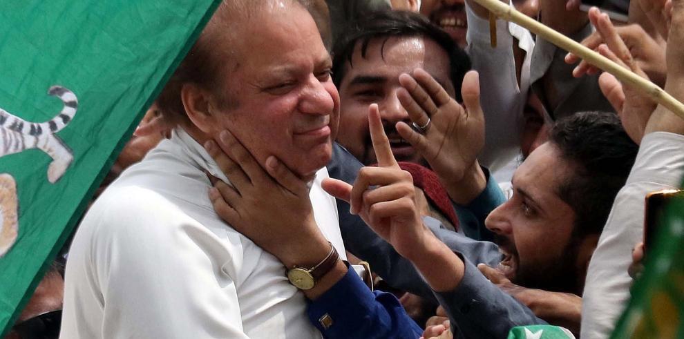 Ex primer ministro paquistaní Nawaz Sharif condenado a 10 años por corrupción