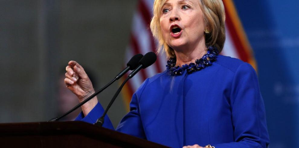 Clinton, nuevamente en la mira del FBI por financiación irregular