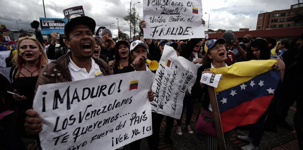 Venezolanos en Colombia salen a las calles para rechazar comicios de su país