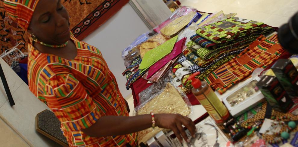 La herencia afro de los rizos de mujeres panameñas vence el estigma y olvido