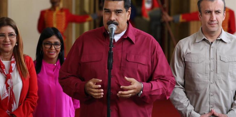 Maduro pide a militancia chavista que facilite transporte a votantes