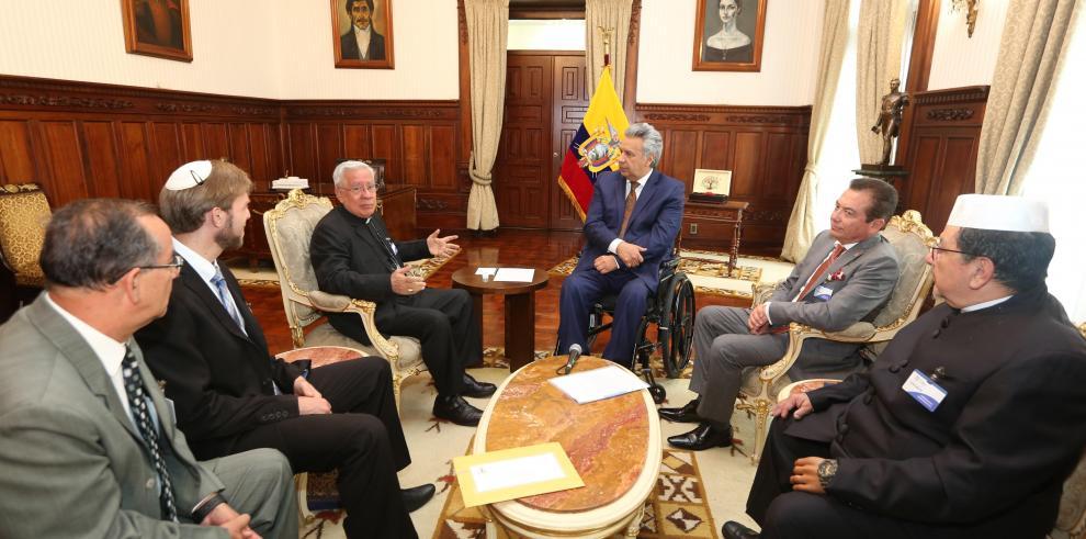 Moreno lidera un encuentro inédito con los líderes religiosos de Ecuador