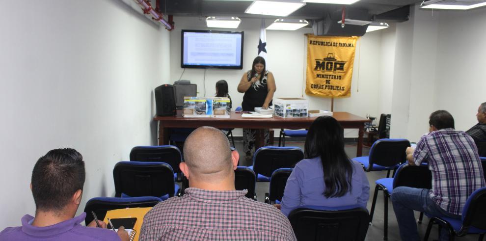 Licitan construcción para rehabilitación de calles en Bocas del Toro