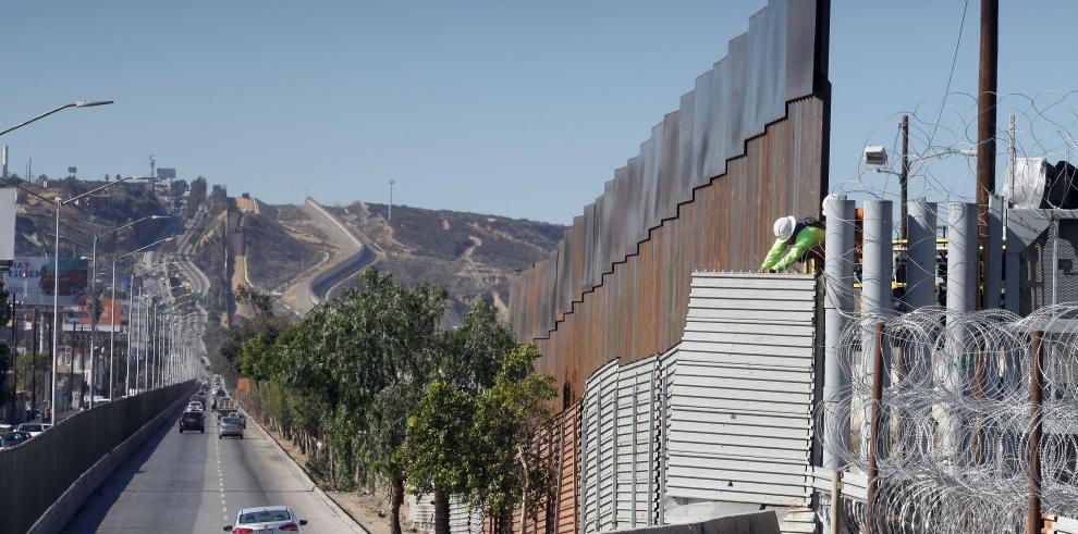 Cifra de inmigrantes sin permiso en EEUU alcanza mínimo en más de una década