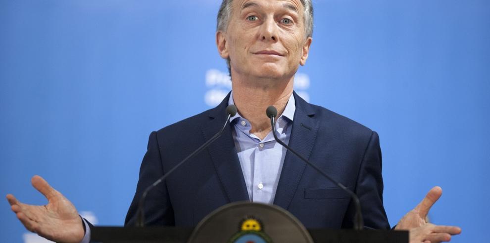 Presidente de Argentina ordena a sus funcionarios que no acudan al Mundial
