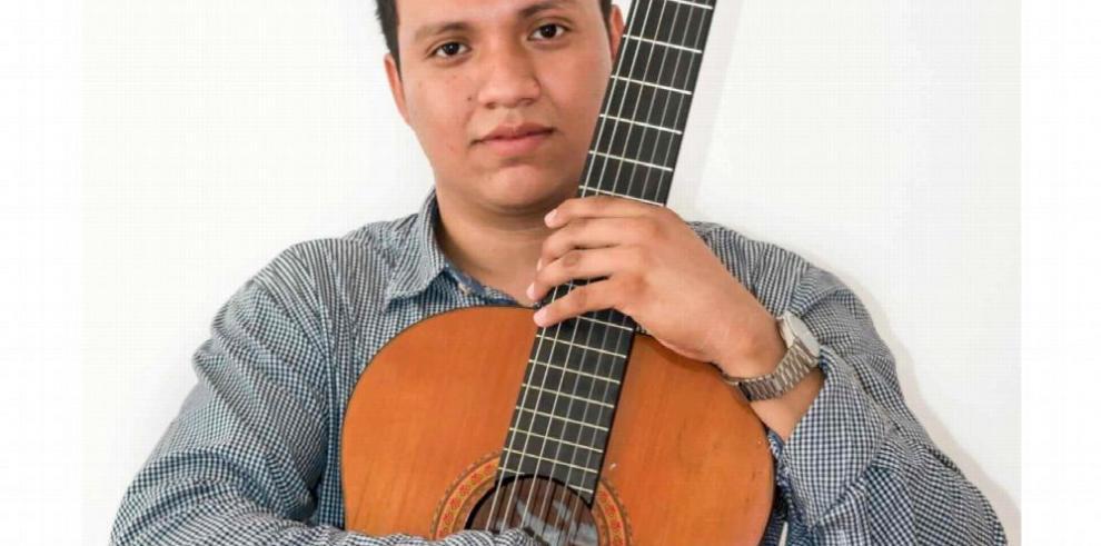 Amantes de la guitarra se congregan en Panamá