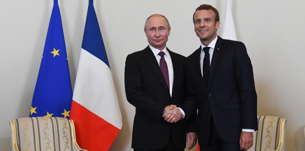 Putin y Macron instan a EEUU a seguir negociando con Irán y Corea del Norte