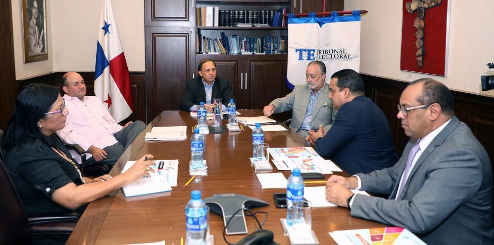Magistrados reciben plan estratégico nacional con 'Visión de Estado 20 – 30'