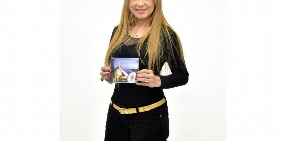 Flor Lizondro, una escritora incansable