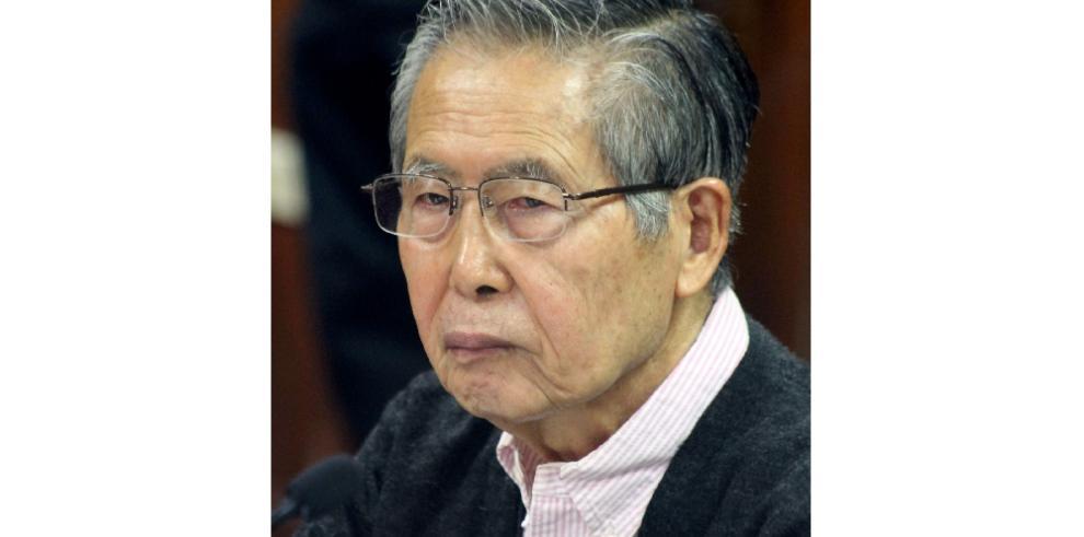 Alberto Fujimori lamenta haber metido a su hija Keiko en la política