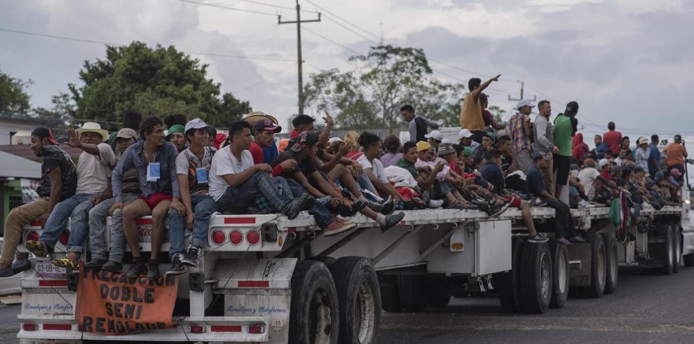 Caravana migrante avanza hacia Veracruz, tercera etapa de su odisea mexicana