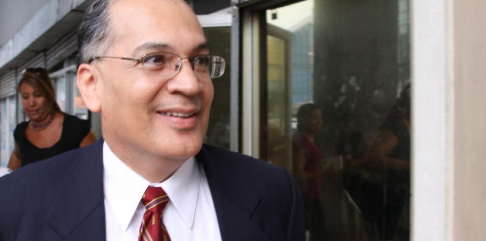 González propone salida a 'impasse' de nominaciones