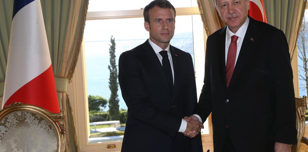 Macron pide sanciones