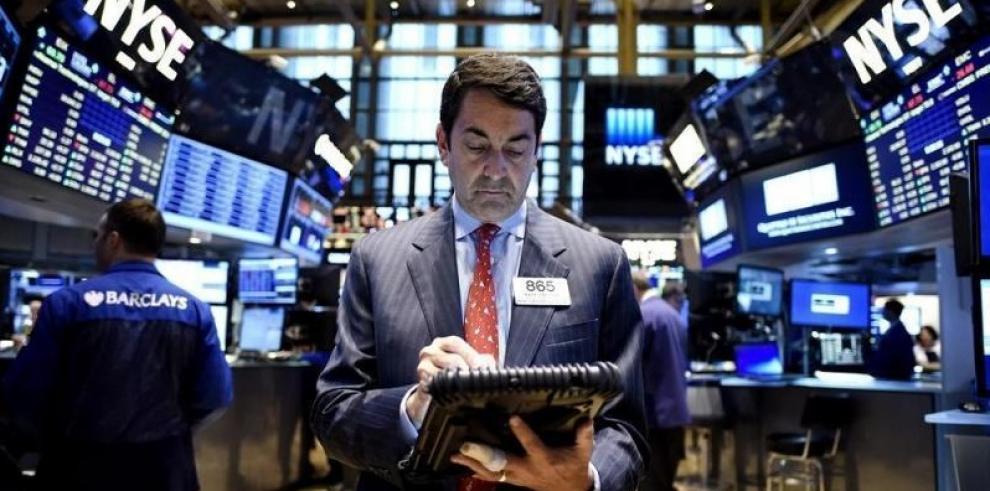 Wall Street sigue mixto a media sesión y el Dow Jones cede un 0,29%