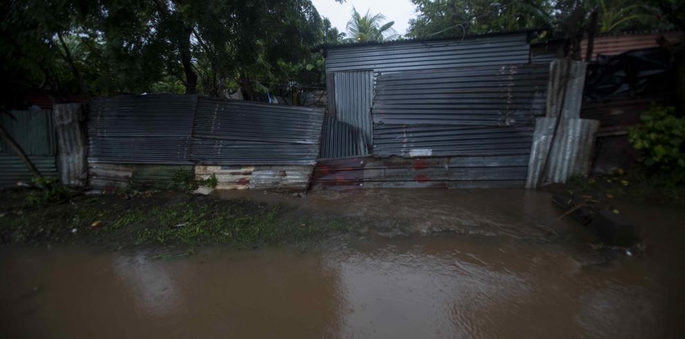 Al menos 12 muertos y miles de afectados por temporal en Centroamérica