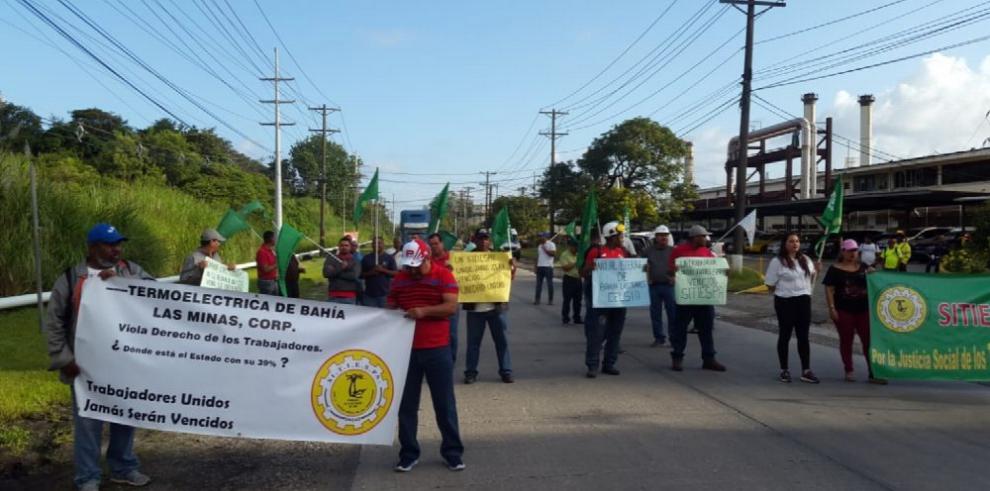 Bahía Las Minas y Gobierno exploran alternativas