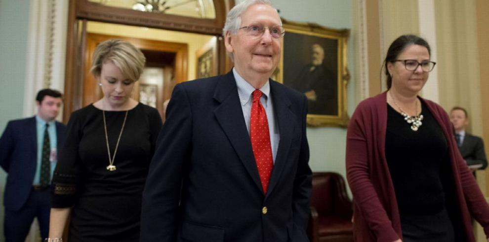 Trump avisa de un cierre 'largo' del Gobierno