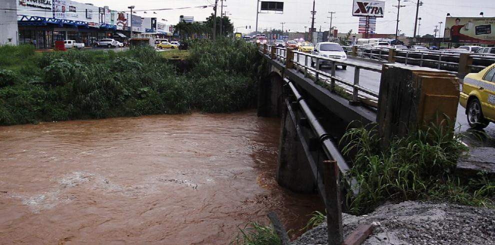 Pugna por ampliación del cauce de río Juan Díaz