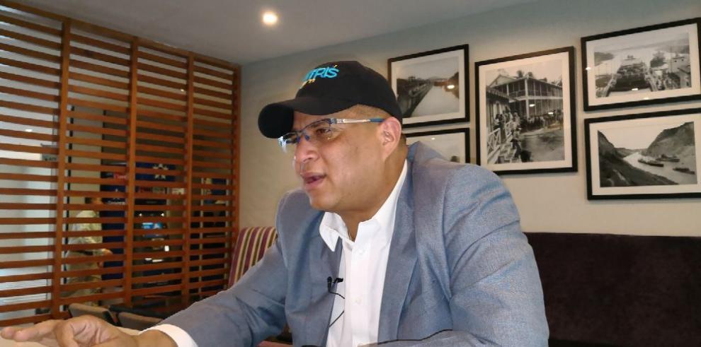 'No soy ficha de nadie', Dimitri Flores