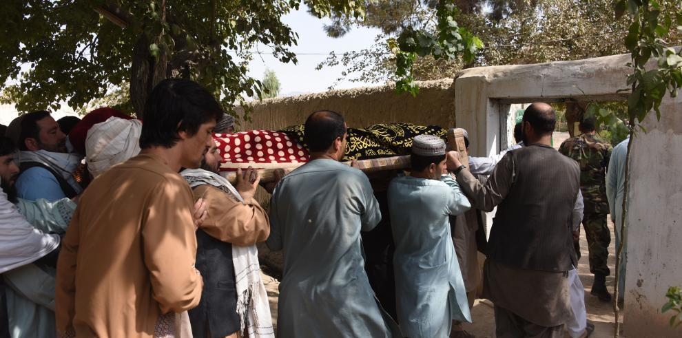 Al menos 14 muertos por atentado suicida en un acto electoral en Afganistán