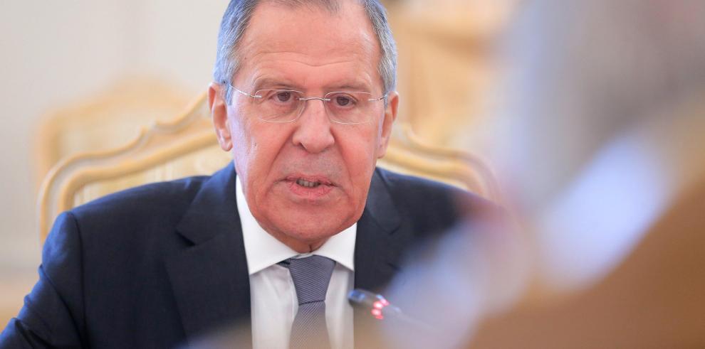 Lavrov insinúa que EEUU respalda la presencia del EI en Afganistán