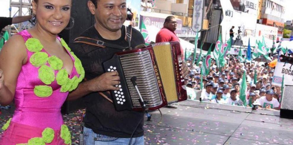 'Los Patrones de la Cumbia' listos para poner a bailar a Chile