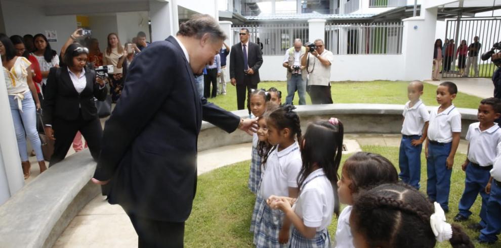 Varela destacó avances en materia educativa liderados por la ministra Paredes