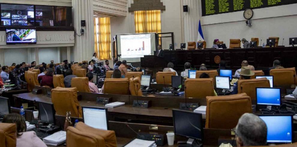 Nicaragua recorta inversión pública por crisis política