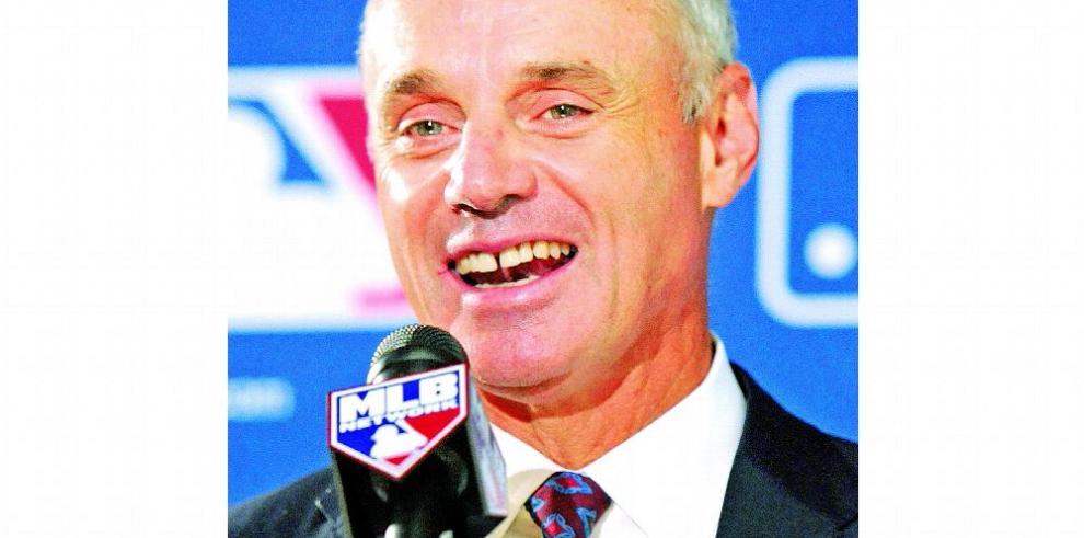 Las donaciones políticas, bajo el control de la MLB