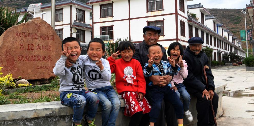 Un emotivo reencuentro para los huérfanos del terremoto de Wenchuan