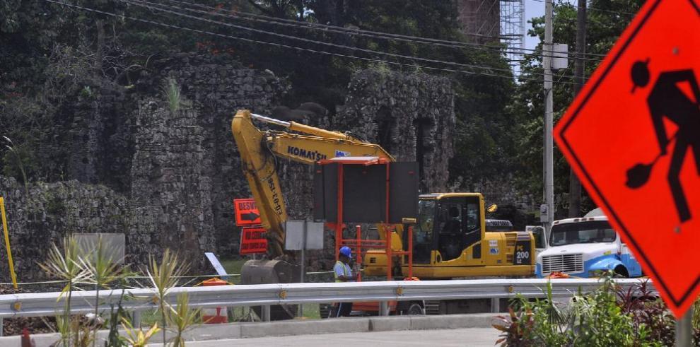 Construcción privada en caída histórica