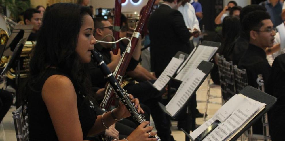 Multiplaza presentó a la Orquesta Juvenil