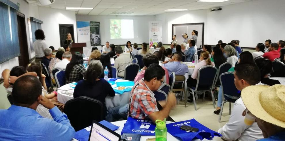 El proyecto SPSCB participa en Café Científico sobre biodiversidad chiricana