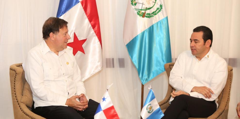 Varela anunció que Jimmy Moralesasistirá a la JMJ