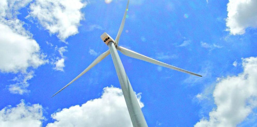 Construirán tres parques eólicos en México