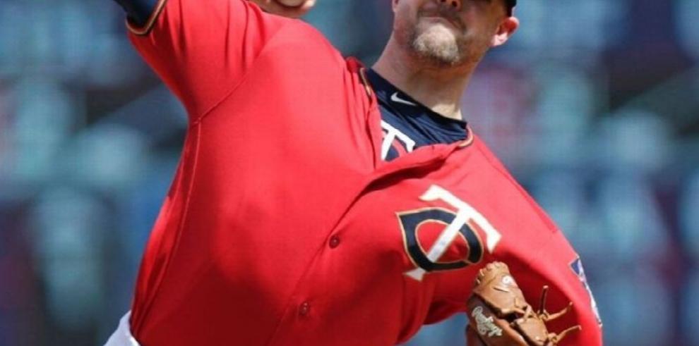 Astros adquiere a relevista Pressly y manda prospectos a Mellizos