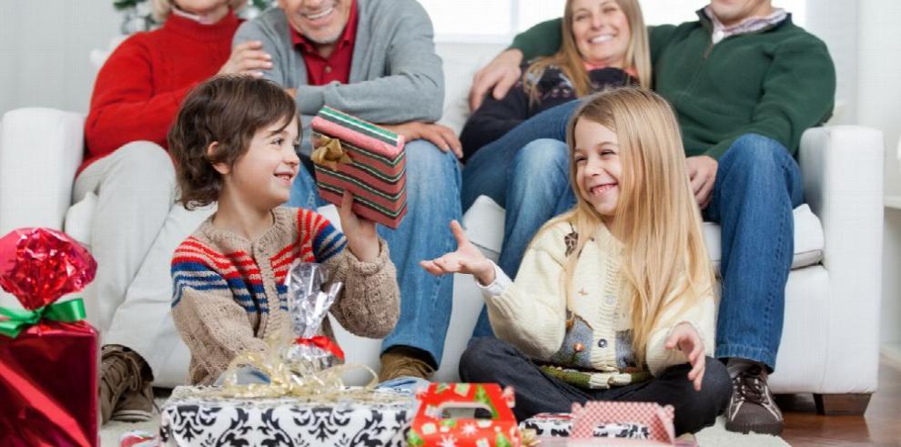 Juguetes interactivos, consumismo y saturación en Navidad
