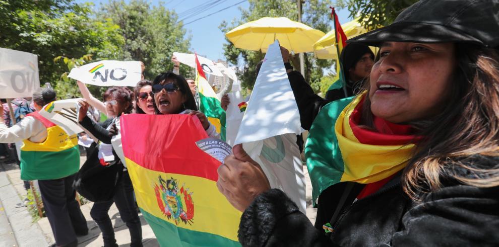 Morales logra su cuestionada candidatura mientras Bolivia pierde en La Haya