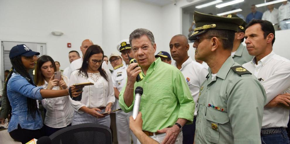 Santos le pide a Trump que hable con Putin para que le reste apoyo a Maduro