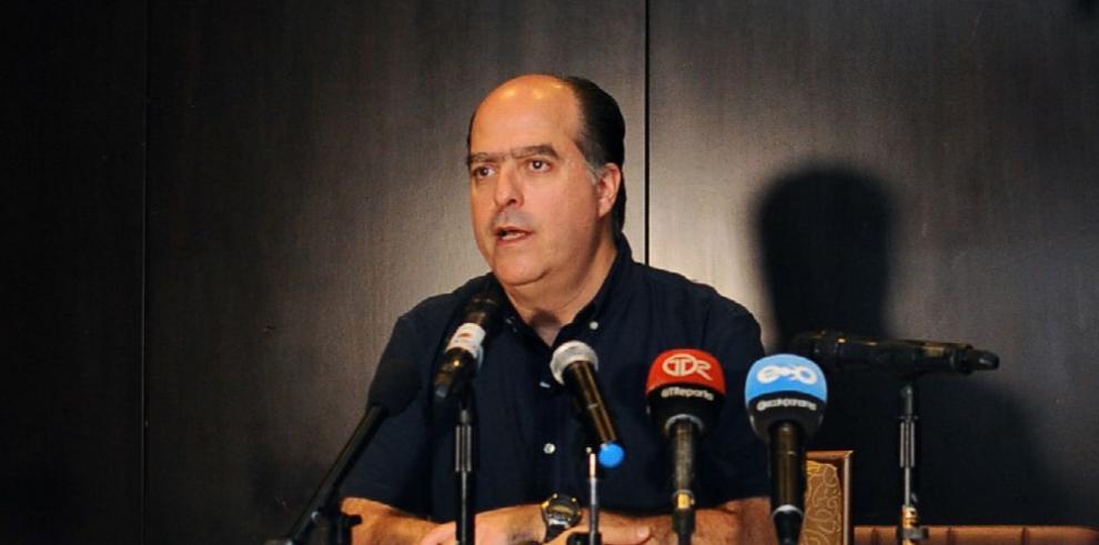 Caracas: Borges es 'autor intelectual' de atentado a Maduro