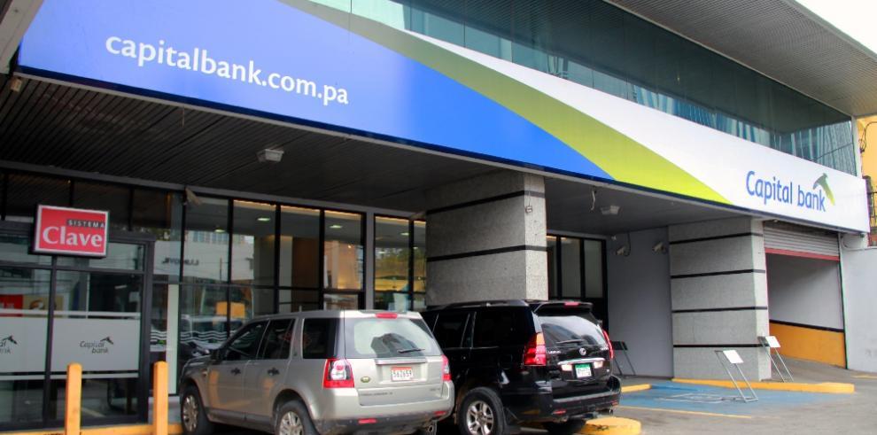 Capital Bank es multada por $425,000