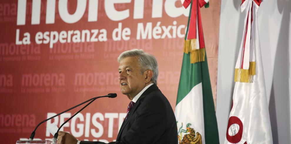 México abre 2018 sumergido en la batalla electoral más grande de su historia