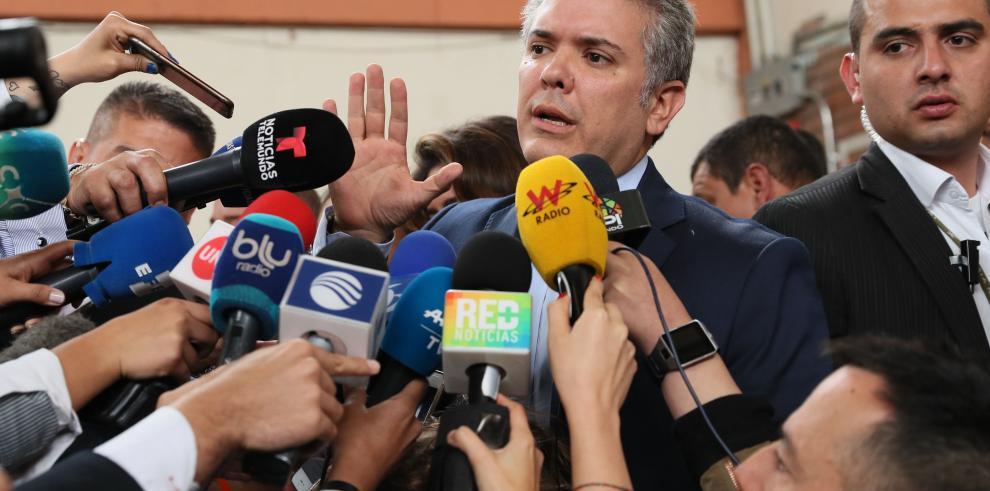 Duque llega a las urnas con la esperanza de gobernar Colombia sin 'retrovisor'