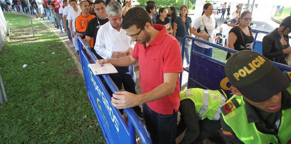 Elecciones presidenciales en Colombia transcurren con normalidad