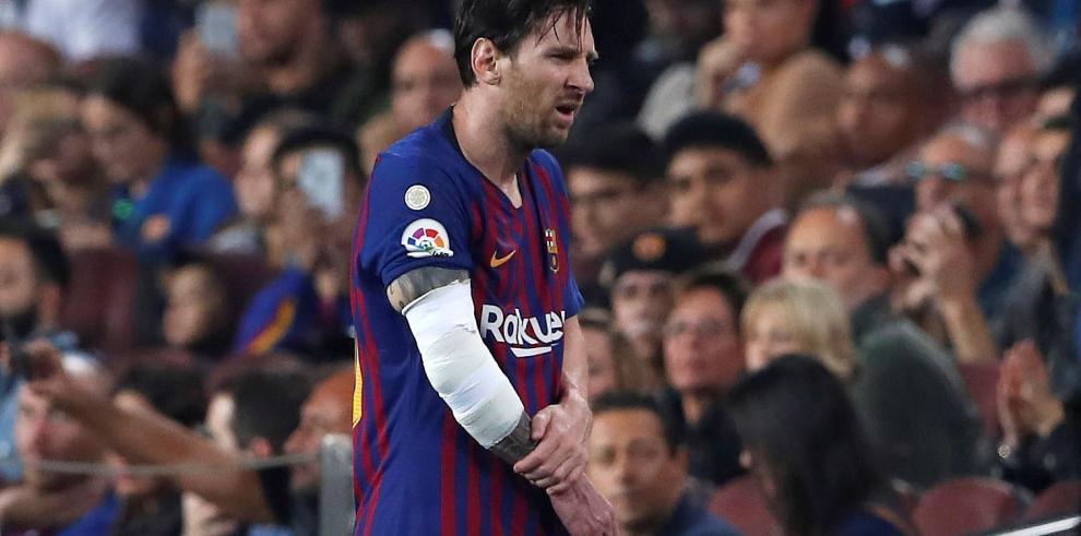 Messi, con fractura en el brazo del radio derecho, no jugará el clásico