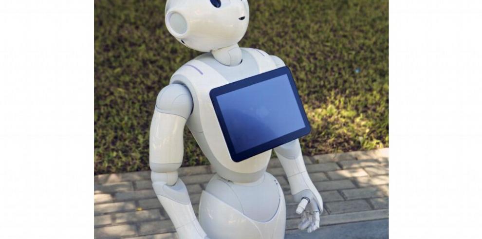 Pharos, el robot amigo de los ancianos