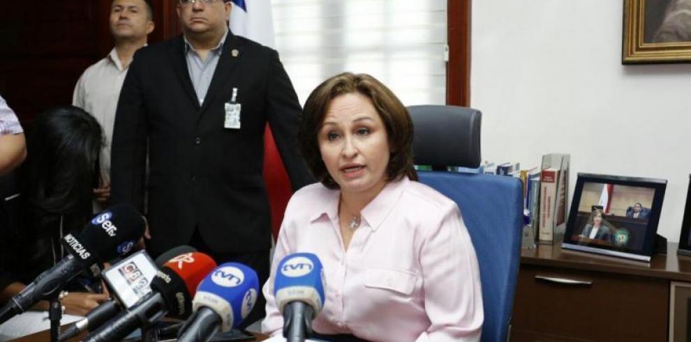 Kenia Porcell se reunirá con fiscales de Suiza y Andorra